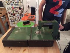 """claire on Twitter: """"#elna #grasshopper #vintage #sewingmachine #machineacoudre #couture https://t.co/NqLJeDizlH"""""""