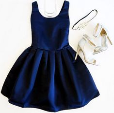 Such a glam blue dress
