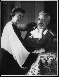 Kaiser Wilhelm II With His Wife, Herminie, In Exile At Doorn https://www.pinterest.com/fredrickbeste/preu%C3%9Fen/