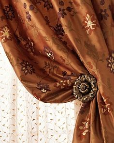 Luxury Curtain Tie Backs and Accessories Color Cobre, Copper Color, Luxury Curtains, Velvet Curtains, Curtain Accessories, Passementerie, Caramel Color, Creme Caramel, Curtain Tie Backs