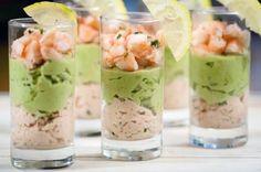 Verrines saumon-avocat et crevettes // Salmon-avocado and shrimps verrines