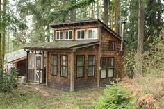 Burnt Hill Retreat - Imagine Living Just Steps from The Olympic Mountains - http://www.tinyhouseliving.com/burnt-hill-retreat-imagine-living-steps-olympic-mountains/