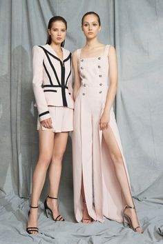 Zuhair Murad Resort 2019 collection, runway looks, beauty, models, and reviews.