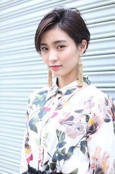 耳かけスタイルでスッキリと Rika Fuchigami