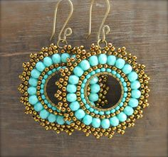 Boho Chic Beaded Medallion Earrings por HeidiLeeDesign en Etsy