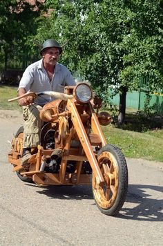 Hungary: Istvan Puskas has spent the last two years building a -one-of-a-kind chopper almost entirely out of weather-resistant black locust wood.The chopper is actually rideable!