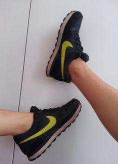 Kup mój przedmiot na #vintedpl http://www.vinted.pl/damskie-obuwie/obuwie-sportowe/11326407-czarne-buty-nike-39-zadbane