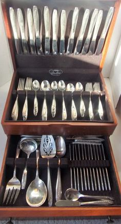 1940s Wm Rogers SilverPlate Set Brittany Rose Complete Box Violet Flowers 120pc  #WmRogersSon
