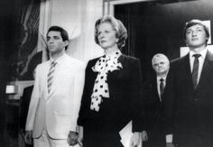 Russian chess players Garry Kasparov (left) and Anatoly Karpov (right) with British prime-minister Margaret Thatcher. Referee Lothar Schmid at the background. Anatoly Karpov, Garry Kasparov, Art Through The Ages, Chess Players, British Prime Ministers, Chess Pieces, Referee, Champion, Abs
