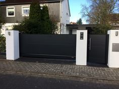Front Gates, Entrance Gates, House Entrance, Victorian Living Room, Driveway Gate, Gate Design, Construction, Oasis, Garage Doors