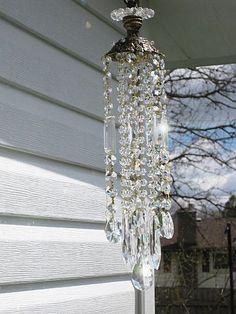Cozy Cottage suncatcher and wind chime Crystal Wind Chimes, Glass Wind Chimes, Diy Wind Chimes, Glass Garden Art, Glass Art, Wine Glass, Diy Chandelier, Chandeliers, Suncatchers