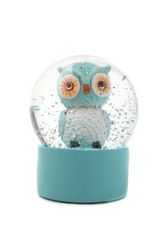 An owl snow globe? Water Globes, Snow Globes, Whimsical Owl, I Love Snow, Owl Crafts, Wise Owl, Owl Art, Snowball, Crystal Ball