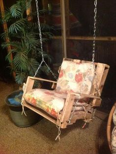 Pallet chair swing - DIY Frugal Pallet Swings | Pallet Furniture DIY