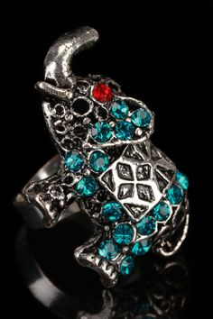 Elephant Ring In Silver And Turquoise
