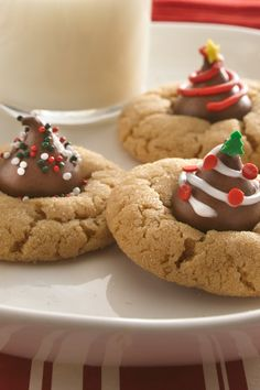 This classic peanut butter blossom recipe is one of our most-Pinned Christmas cookies! Do you go straight for the chocolate, or nibble around the edge first? Either way, this recipe will quickly become a favorite all year 'round. You can make the dough up to 24 hours ahead and keep in the fridge until you're ready to get baking.