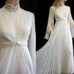 Pilesel beyaz tesettür abiye elbise