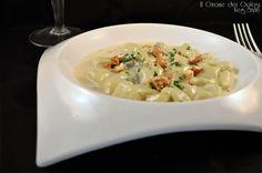 Gli gnocchi di ricotta e broccoli con crema allo zola di Mauri Formaggi sono un primo piatto gustoso e cremoso ideale per il pranzo della domanica