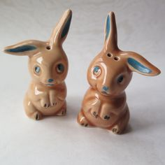 1940s Easter Bunny Rabbit Figurine Ceramic Pair Salt Pepper Shakers Vintage Easter Figures Pottery Retro Bunny Decor by stonebridgeworks on Etsy