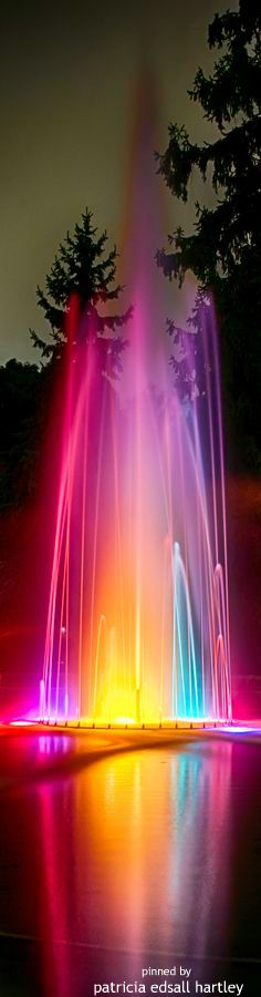 Rainbow fountain - there was one in the shopping centre my Gran used to take me too when I was little: I could have watched it for hours. Taste The Rainbow, Over The Rainbow, World Of Color, Color Of Life, Color Splash, Color Pop, Jolie Photo, Pretty Pictures, Rainbow Colors