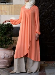 SHUKR USA | Embroidered Naielah Tunic