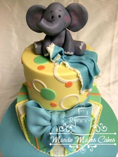 red velvet and chocolate cakes, smbc filling, covered with ganache and mmf. Baby Shower Cakes For Boys, Baby Boy Cakes, Baby Boy Shower, Pretty Cakes, Cute Cakes, Christening Cake Boy, Crazy Cookies, Cupcakes For Boys, Shower Bebe