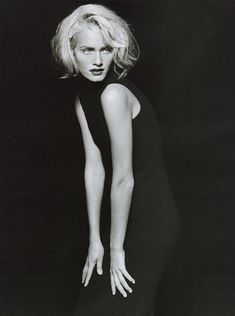 pinterest.com/fra411 #photography - Photos PETER LINDBERGH Amber Valetta - Now Noir - 1995