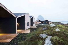 Driv Arkitekter | Boliger Træna Norway, Houses, Cabin, Architecture, House Styles, Outdoor Decor, Home Decor, Homes, Arquitetura