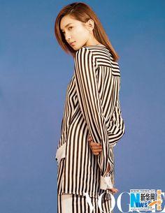Jiang Shuying poses for fashion magazine | China Entertainment News