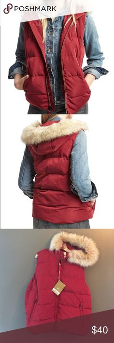 """NWT Gap PrimaLoft Puffer Vest, Cinnabar Red  Give your self an Amazing gift Gap Puffer Vest. Color is a gorgeous Cinnabar Red with a fux fur around the hood that is removable. Super soft PrimaLoft fill, machine washable and super cute. Straight fit, length 5'9"""", bust 32"""", waist 24"""" size Large. Retail $90.  Same or next day  Merry Christmas  GAP Jackets & Coats Puffers"""