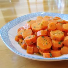 One Perfect Bite: Carrot Salad.developed by Bobby Flay. can be served warm or cold.with lemon cumin garlic and olive oil Healthy Vegetables, Veggies, Vegan Stuffed Peppers, Bobby Flay Recipes, Picnic Sandwiches, Crispy Sweet Potato, Veggie Dishes, Side Dishes, Vegetable Recipes