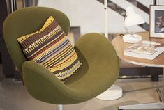Danish company Fritz Hansen is working with Maharam and Kvadrat for the launch of Point by Paul Smith. Fritz Hansen, Hansen Is, Arne Jacobsen, Swan Chair, Interior Architecture, Interior Design, Paul Smith, Blog Design, Yellow And Brown