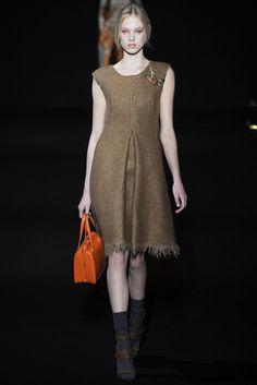 Alberta Ferretti Fall 2014 Ready-to-Wear Collection Photos - Vogue