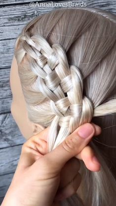 Suspended braid By: Braided Ponytail Hairstyles, Easy Hairstyles For Long Hair, Braids For Long Hair, Cool Hairstyles, Hair Up Styles, Medium Hair Styles, Hair Styler, Grunge Hair, Hair Videos