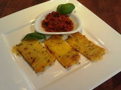 Polentasticks mit roter Salsa  http://snuyourlife.wordpress.com/2014/09/12/polentasticks-mit-roter-salsa/