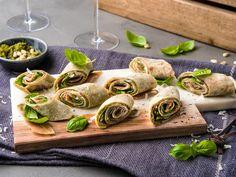 Tapas - oppskriftene du trenger | Meny.no Tapas, Scampi, Snacks, Fresh Rolls, Pesto, Sushi, Buffet, Food And Drink, Baking