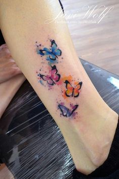 Javi Wolf: watercolor butterflies ❤ - tatoo - Tattoo World Watercolor Butterfly Tattoo, Butterfly Tattoo Designs, Watercolor Wolf, Blue Butterfly Tattoo, Watercolor Tattoos, Watercolor Painting, Body Art Tattoos, Small Tattoos, Sleeve Tattoos