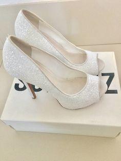 b5f5e54631 Sapato de noiva da marca Schutz tamanho 37