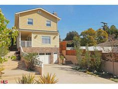 3142 S PATRICIA AVE, Los Angeles, CA 90064 (MLS # 14737687)Price	 $2,695,000 Status	 Active Beds	 5 Baths	 4 full, 1 half Home size	 3,800 sq ft