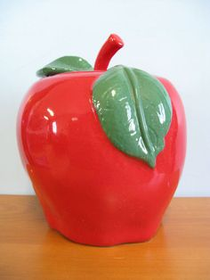 Apple Cookie Jar made in Mexico by Treasure Craft
