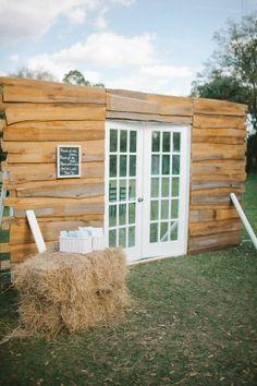Rustic wedding entryway #ceremony #outdoorwedding #rustic #rusticwedding #weddings