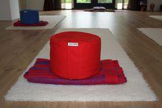 Speciaal op hoogte gemaakte meditatiekussen. info: www.happykussens.nl