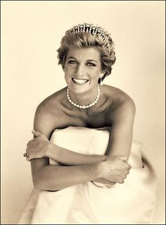 I had forgotten how beautiful she was. . .   Princess Diana, London. 1990  Photographed by: Patrick Demarchelier