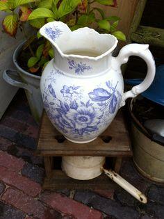 Sophie mooi decor van Societe Ceramique ca. 1900 is favoriet in lila!