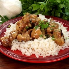 Honey butter garlic chicken is easy and loaded with tender bites of chicken in a delicious sauce! Honey butter garlic chicken is easy and loaded with tender bites of chicken in a delicious sauce! Easy Honey Garlic Chicken, Garlic Chicken Recipes, Salmon Recipes, Asian Recipes, Healthy Recipes, Chinese Garlic Chicken, Honey Butter Chicken, Cheap Recipes, Comida Diy