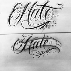 No photo description available. Tattoo Writing Fonts, Tattoo Lettering Styles, Chicano Lettering, Graffiti Lettering Fonts, Tattoo Script, Tattoo Fonts, Clock Tattoo Design, Tattoo Design Drawings, Family Tattoo Designs
