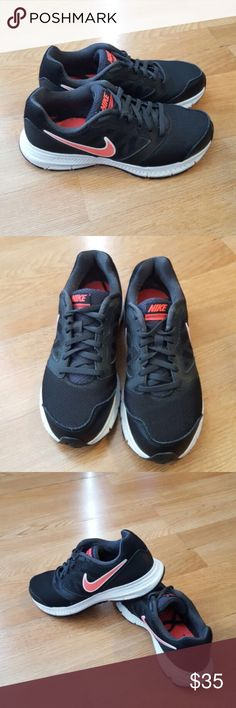 Nike downshiter 6 size 7.5 wo's Comfortable and clean Nike Shoes Athletic Shoes