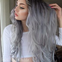 How to: Grey hair & black roots- Up on my youtube channel now! Unedited picture, the color is the real deal. search Evelina Forsell or link in bio