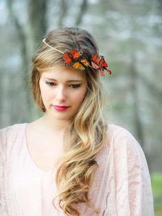 Gold and Red Monarch Butterfly hair crown, butterfly hair crown from serenitycrystal on Etsy. Butterfly Wedding, Butterfly Hair, White Butterfly, Monarch Butterfly, Crown Hairstyles, Wedding Hairstyles, Hair Day, Your Hair, Looks Cool