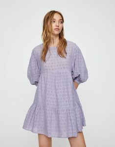 Vestido babydoll com bordados e color block - PULL&BEAR Pull & Bear, Babydoll Dress, Shirt Dress, Manga 3 4, White Embroidered Dress, Look Plus, Vestido Casual, Party Dresses For Women, Beach Dresses