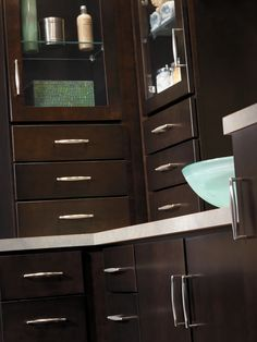 Aristokraft's understated and elegant Teagan displays clean, crisp lines with a modern touch. It's sleek simplicity will make your bathroom feel serene and uncluttered.